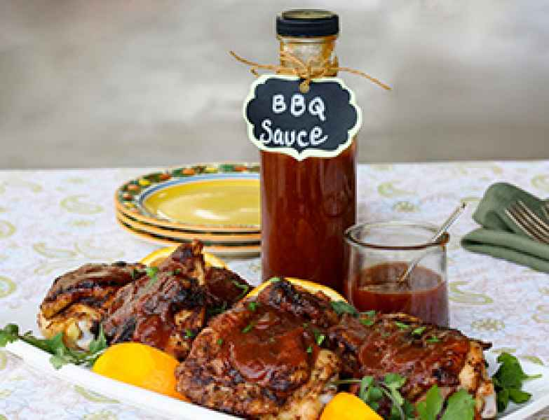 Zesty Applesauce Molasses BBQ Sauce